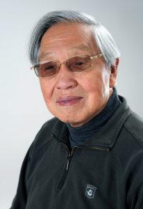 Guo Bingsen, der chinesische Qigong-Großmeister hat an der Dao Yuan Schule das Gua Sha Fa an angehende Qigonglehrer, Therapeuten und Laien unterrichtet. Er selbst hat es bei einem Arzt in Dalian gelernt, in dessen Praxis er längere Zeit hospitiert hat.